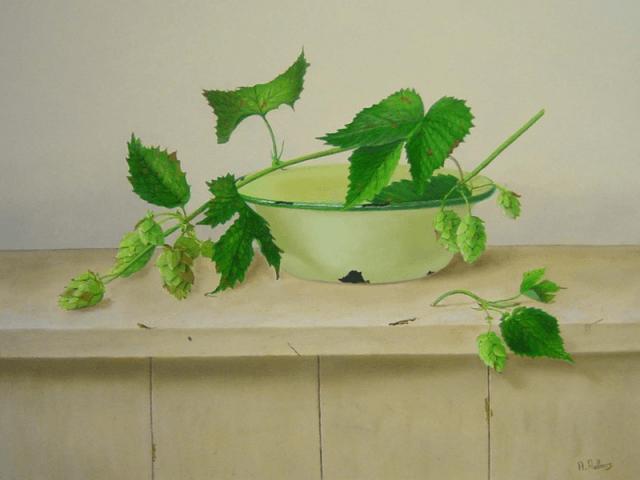 Groen schaaltje met hop