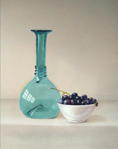 Renaissance wijnfles en blauwe druiven